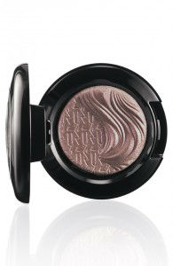 MAC-Extra-Dimension-Eyeshadow-Stolen-Moment-