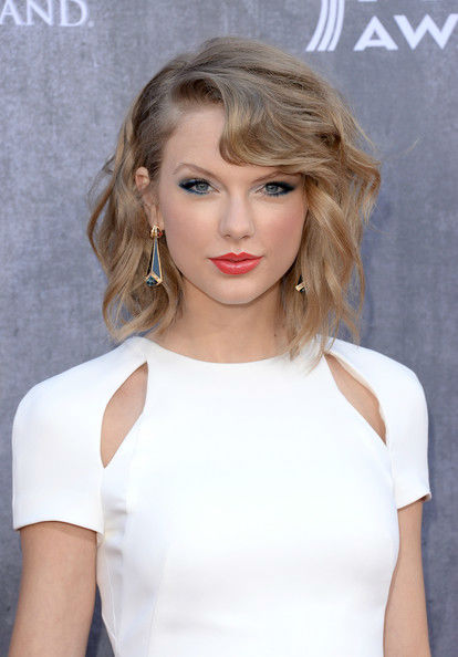 Best-Hair-Makeup-at-the-Academy-Of-Country-Music-Awards-2014